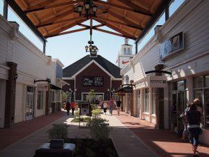 Merrimack_Premium_Outlet_Mall_stores